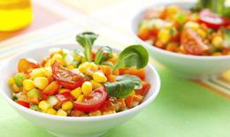 Salade multicolore au maïs
